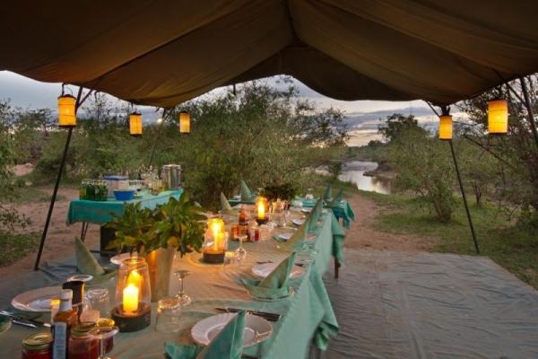Candlelit dinner under the stars