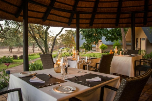 Outdoor dining at Ursulas Homestead