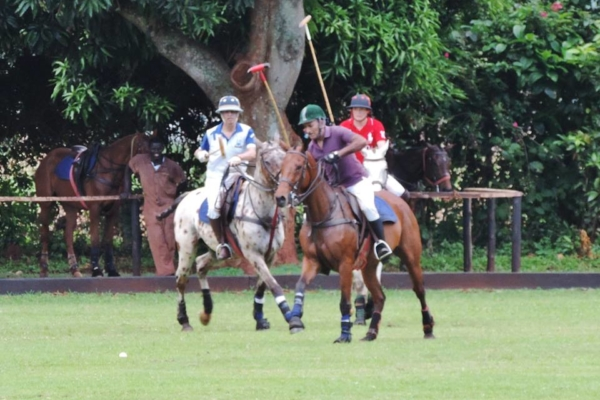 play-polo-on-banks-of-nile26